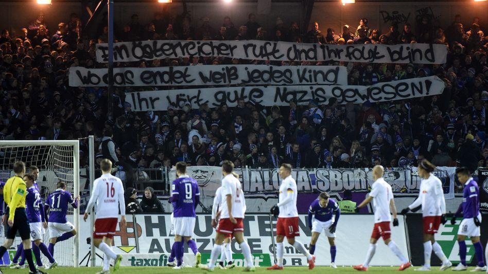 Aue-Fans mit Nazi-Plakat: Diffamierung des Gegners