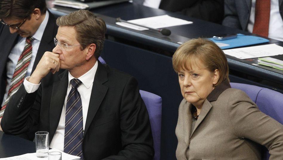 FDP-Chef Westerwelle, Kanzlerin Merkel: Alarmierender Weckruf