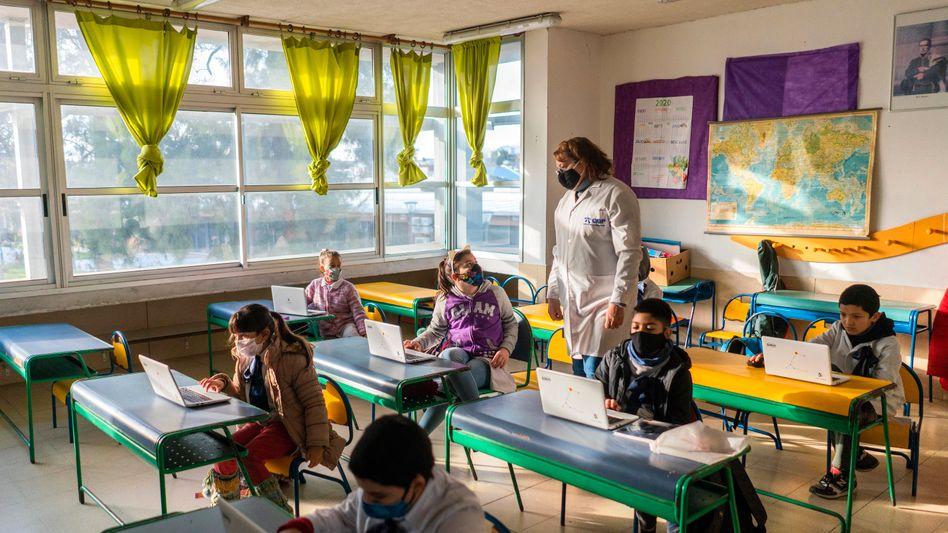 Unterricht in Uruguay: Die Schulen öffnen nach und nach