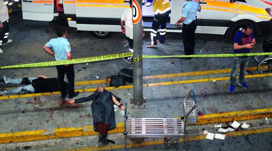Anschlagsopfer am Flughafen in Istanbul »Wir haben das Monster IS gefüttert«