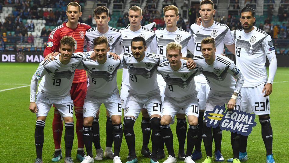 Das DFB-Team vor dem Qualifikationsspiel in Estland