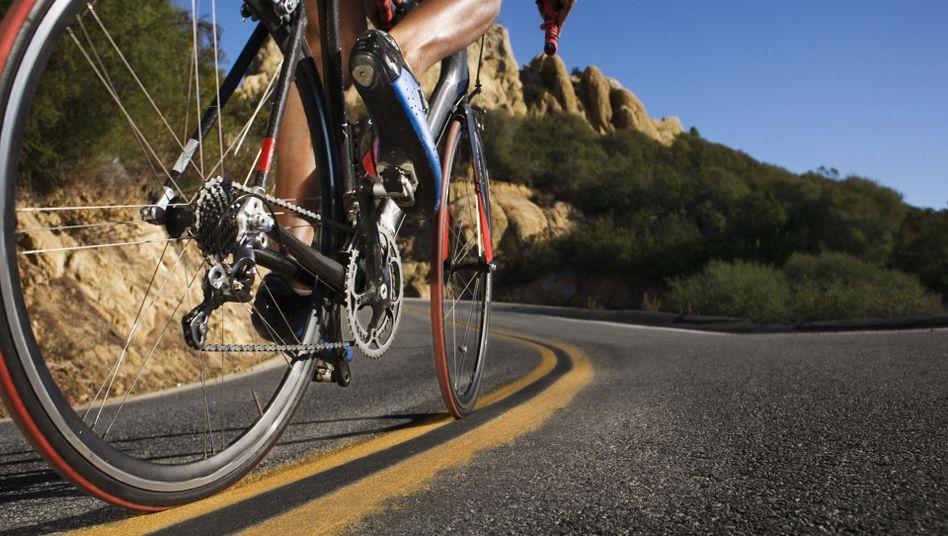 Radfahrer beim Berganstieg: Messsysteme sind bei Profis bereits Standard
