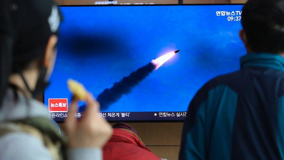 Nordkorea hat nach Angaben des südkoreanischen Militärs erneut zwei ballistische Kurzstreckenraketen abgefeuert