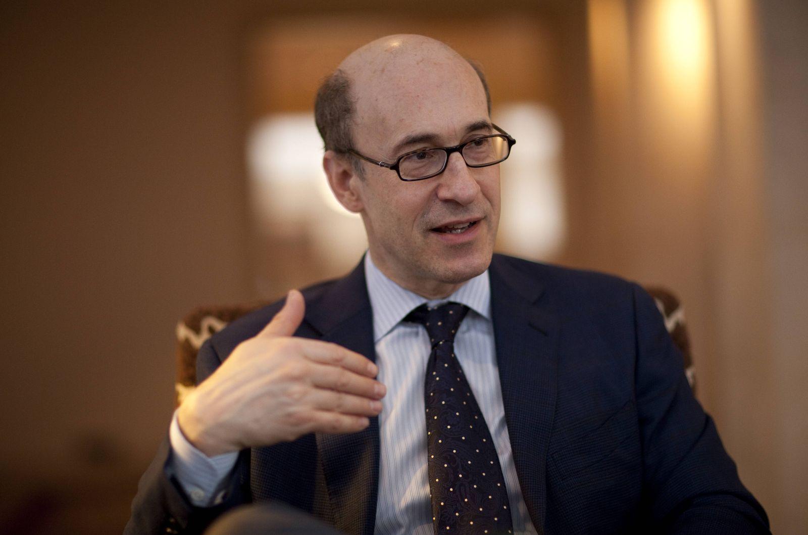 EINMALIGE VERWENDUNG Kenneth Rogoff