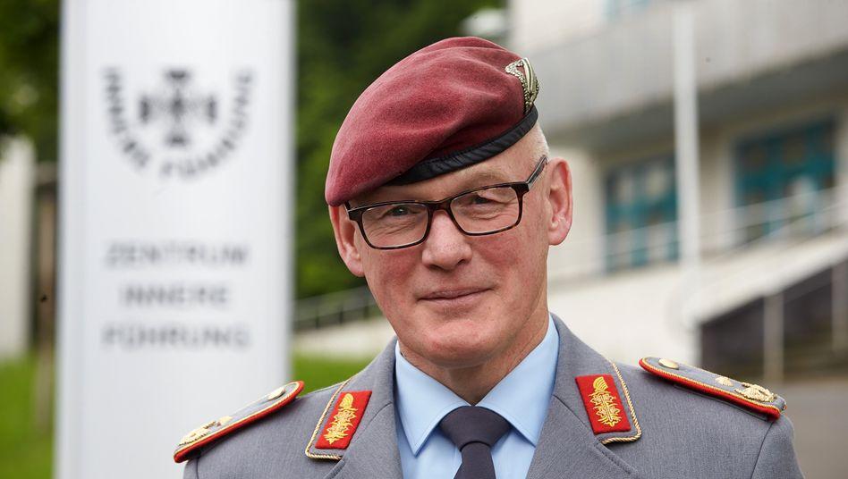 Generalmajor Reinhardt Zudrop, Kommandeur des Zentrum Innere Führung: Wie halten es Führungskräfte der Bundeswehr mit der AfD?
