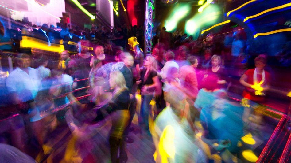 »Hauptsächlich Mittzwanziger« sollen sich während der Party in Münster infiziert haben (Symbolfoto)
