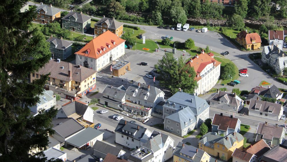 Heliostaten: Norwegische Gemeinde lenkt Sonnenlicht um