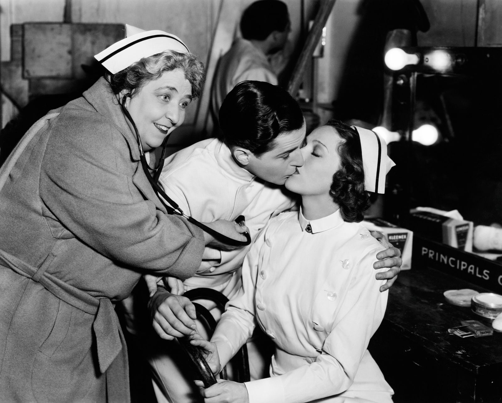 THE GREAT HOSPITAL MYSTERY, from left: Jane Darwell, Thomas Beck, Sally Blane having some fun on set