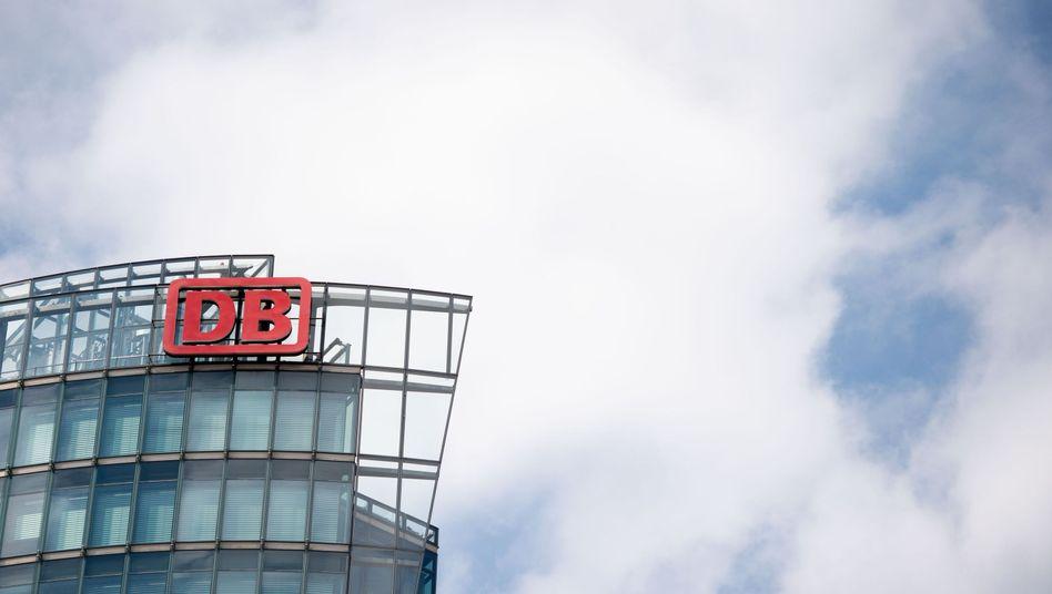 """Zentrale der Deutschen Bahn in Berlin: """"Die Praxis der Vergangenheit wird abgestellt"""""""