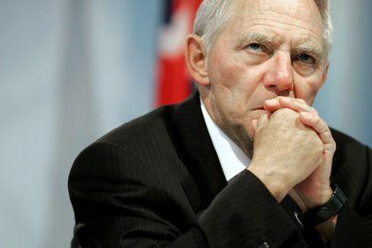 """Innenminister Schäuble: """"Nicht zu politisch diskutieren"""""""