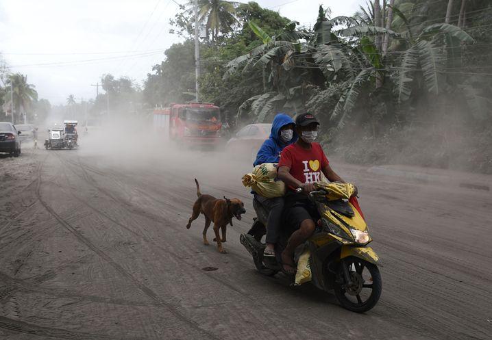 Gemeinde Agoncillo in Vulkan-Nähe am 15. Januar: Straßen und Pflanzen waren mit Asche bedeckt