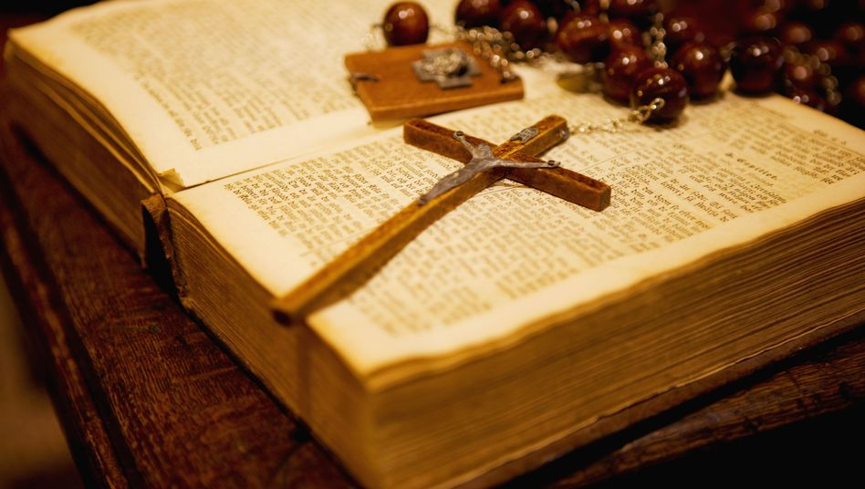 """Missbrauch in der katholischen Kirche: """"Wie eine satanische Messe"""""""
