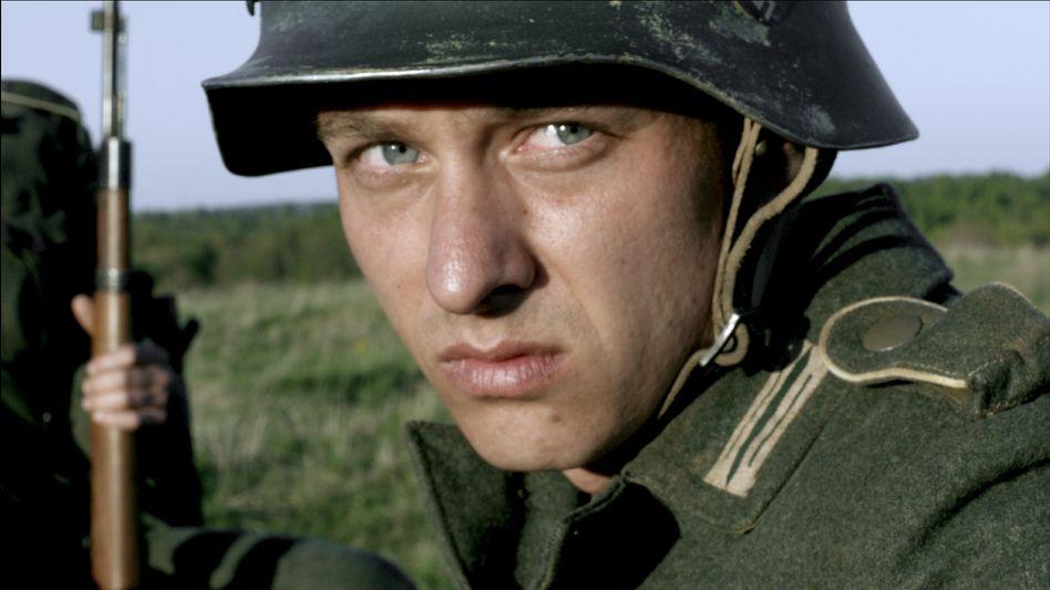 """Tom Schilling im ZDF-Dreiteiler: """"Wichtiges Qualitätssiegel für die Produktion"""""""