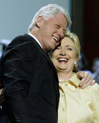 """Bill und Hillary Clinton: """"Ich erkenne einen großen Staatsmann"""""""