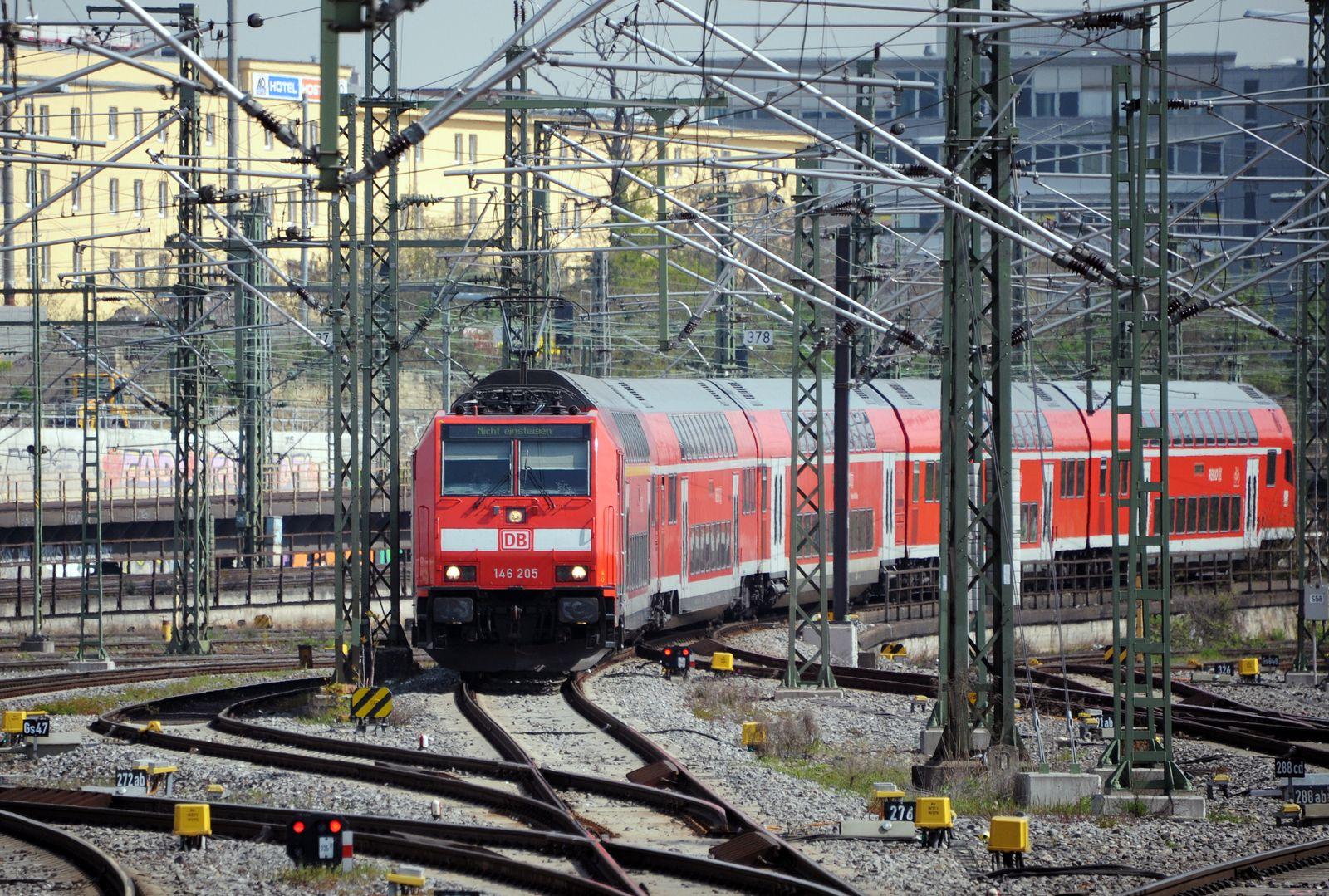 Nahverkehr/ Regionalzug/ Stuttgart