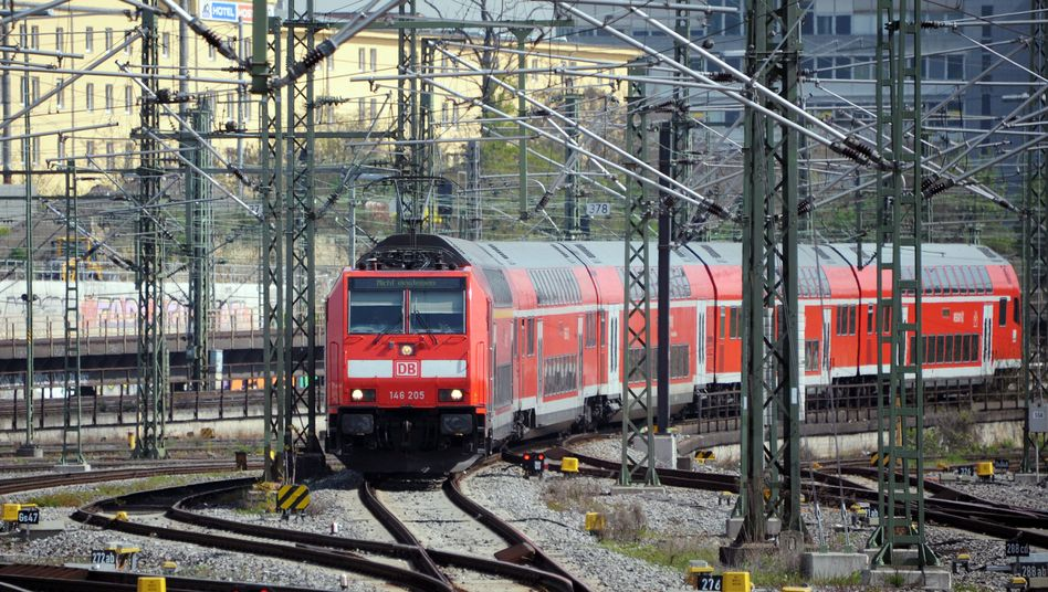 Regionalzug am Hauptbahnhof in Stuttgart