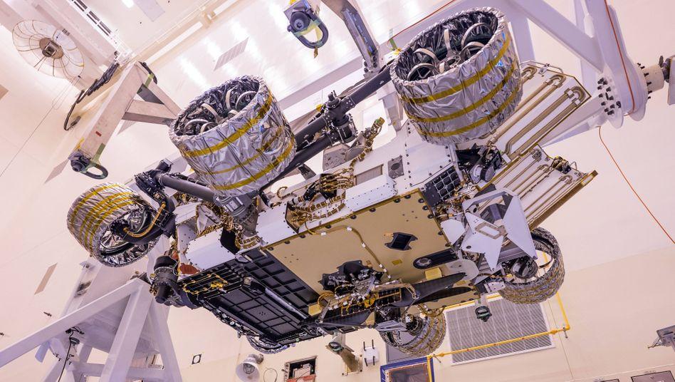 """Marsroboter """"Perseverance"""" im Kennedy Space Center in Florida/USA: Elf Millionen Namen an Bord"""
