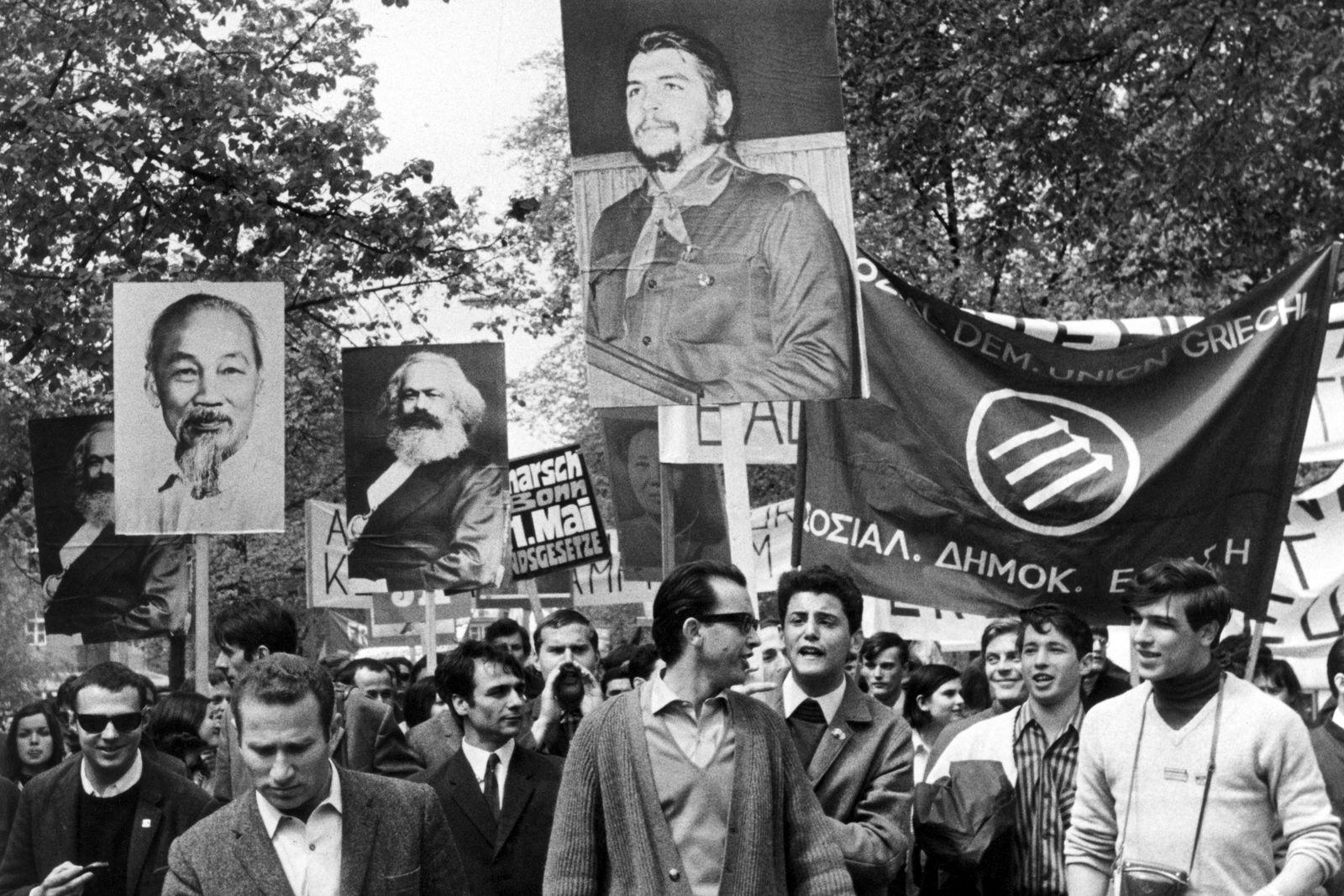 Buch/ Bini Adamczak: Beziehungsweise Revolution