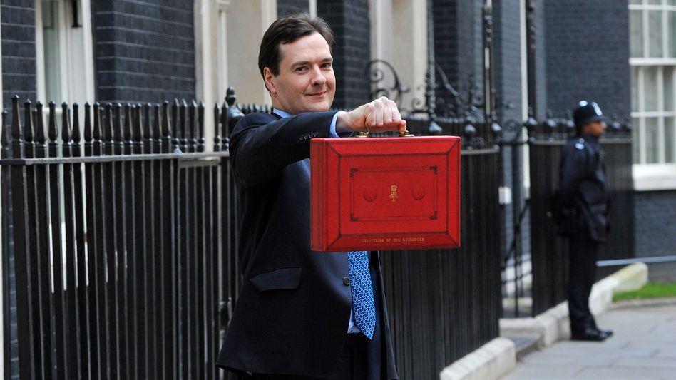 Schatzkanzler George Osborne: Mit dem neuen Budget unterwegs ins Parlament