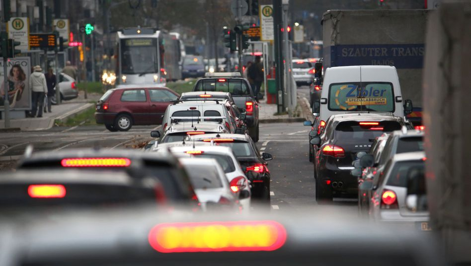 Verkehr in der Innenstadt von Düsseldorf