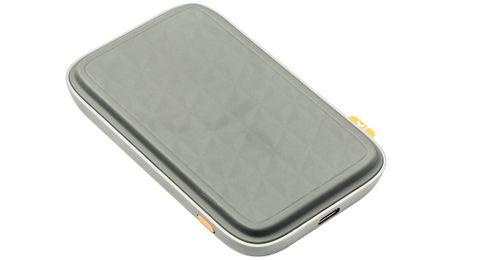 Hersteller: XtormAnschluss: USB-C-BuchseKabellänge: 30 cm+ Lade-Pad und Akku-Pack+ lädt zweites Gerät- kein Netzteil- haftet nicht mit Standard-Hüllen