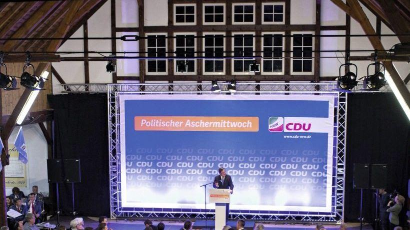 Parteivorsitzender Laschet in Kirchveischede: »Ein Grundrecht kennt keine Obergrenze«