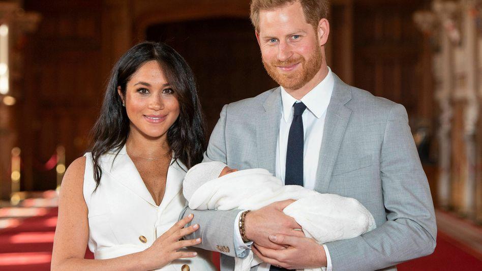 Eltern Meghan, Harry und ihr Neugeborenes in Schloß Windsor: Gut in Szene gesetzte Imperfektion