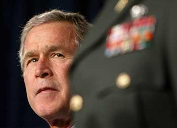 George W. Bush: Hegt er langsam Zweifel an den eigenen Aussagen?