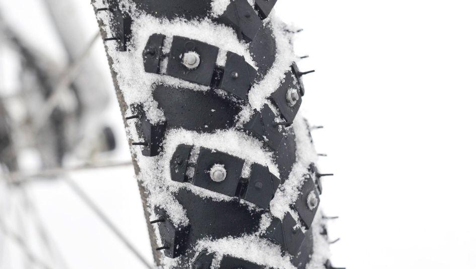 Fahrradreifen mit Spikes