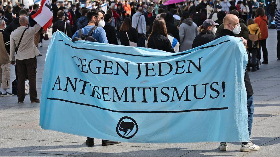 Protest gegen Antisemitismus in Berlin: »Viele leben in ihren Blasen und können ihre Vorurteile weiter pflegen«