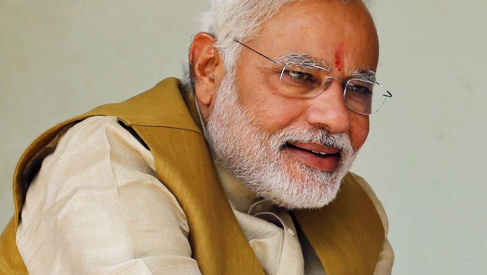 Jubel für Narendra Modi: Segen, Tänze, Feuerwerk