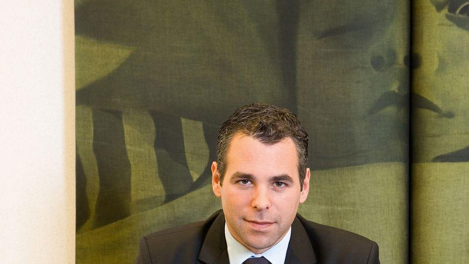 EU-Abgeordneter Alvaro: Beim Autounfall erlitt er schwere Verletzungen