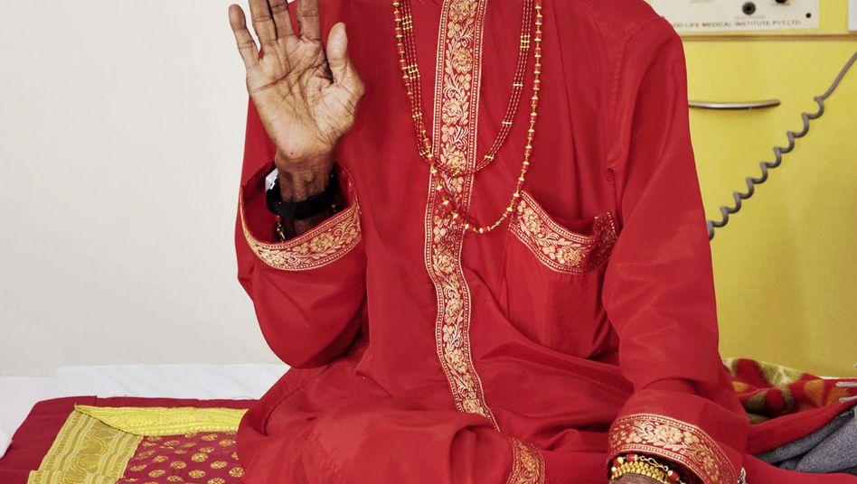 70 Jahre ohne Nahrung: Ärzte knöpfen sich angeblichen Wunder-Yogi vor