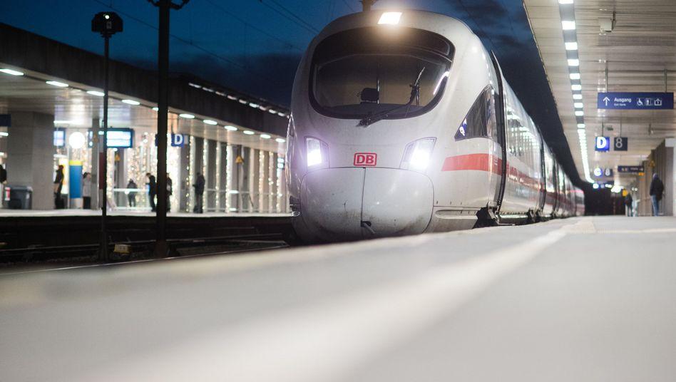 Bahn Stellt Fernverkehr Ein