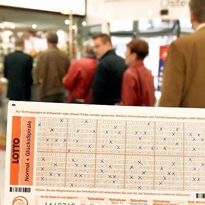 Lottoschein: Der Jackpot-Knacker gewann mit anderen Zahlen