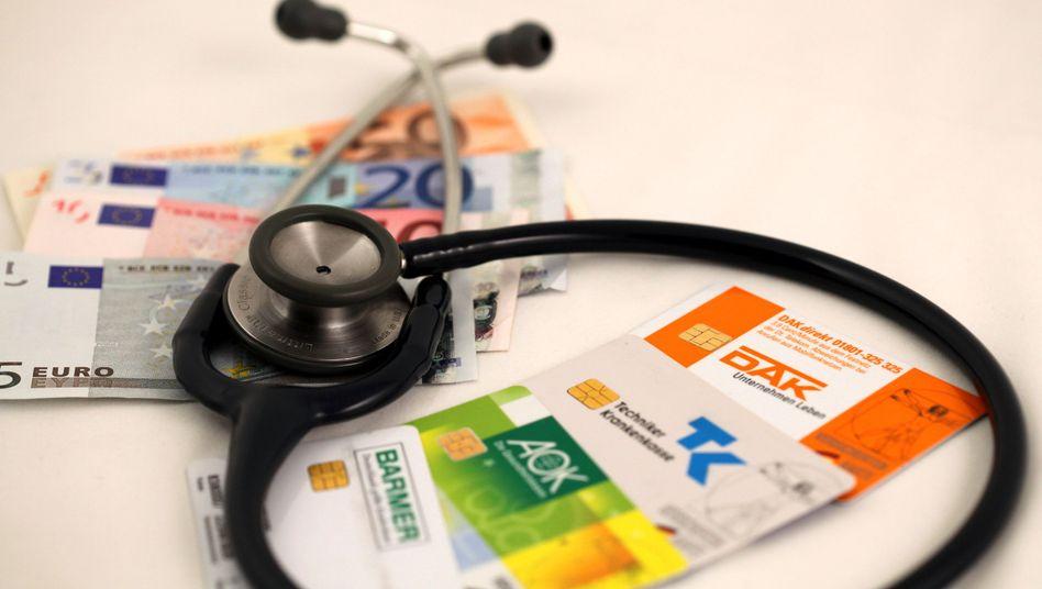 Versichertenkarten: Milliardendefizite ausgleichen