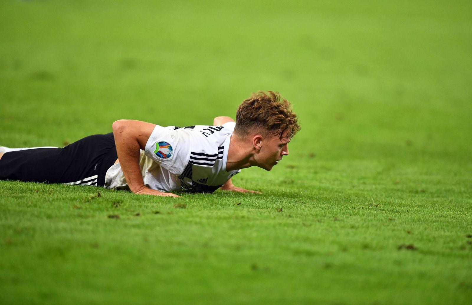 Joshua Kimmich (Deutschland), enttäuscht am Boden Deutschland - Niederlande Europameisterschaft-Qualifikationsrunde für