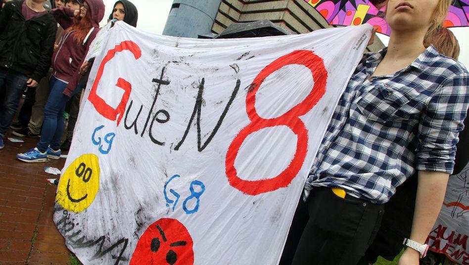 Schüler gegen G8 in NRW: Eine neue Studie attestiert, das schnelle Abiturienten gut an die Uni kommen