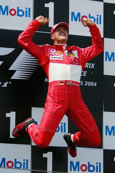 Rekordweltmeister Schumacher (in Magny-Cours 2004)