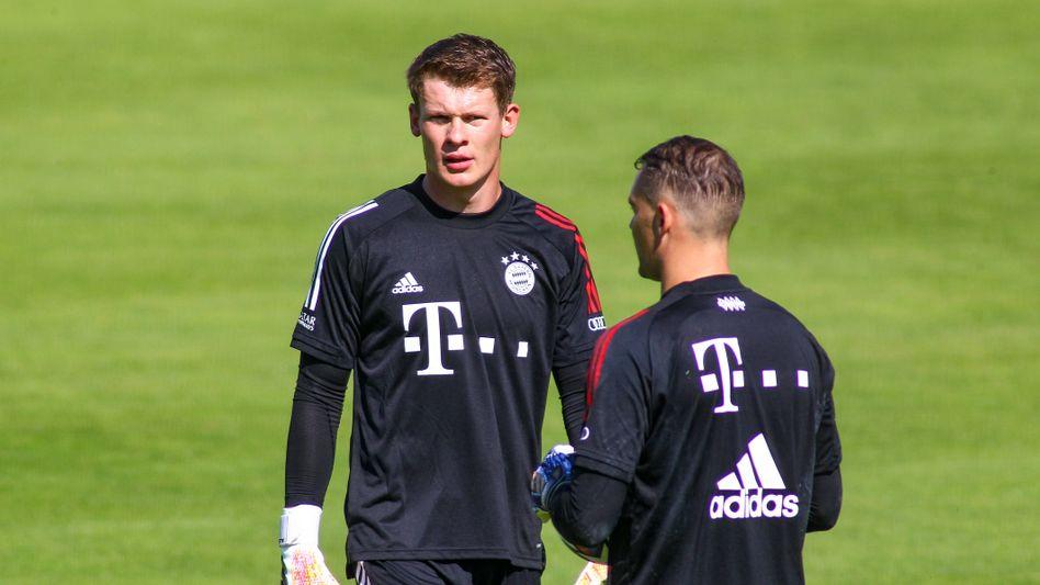Alexander Nübel (l.) hat in dieser Saison erst zwei Spiele für den FC Bayern bestritten. An Manuel Neuer (r.) kam er nicht vorbei