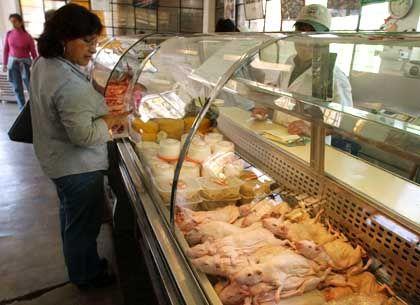 Meerschweinchen-Auslage in Lima: Peruaner verspeisen 65 Millionen Meerschweinchen pro Jahr