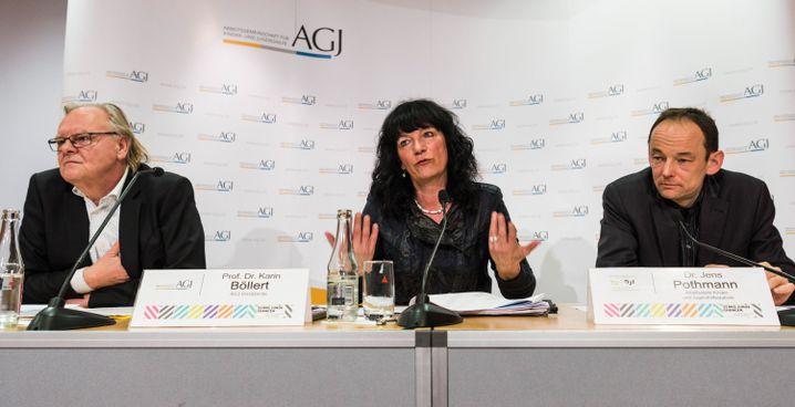 Die Vorsitzende der Arbeitsgemeinschaft für Kinder- und Jugendhilfe (AGJ), Karin Böllert, mit AGJ-Geschäftsführer Peter Klausch