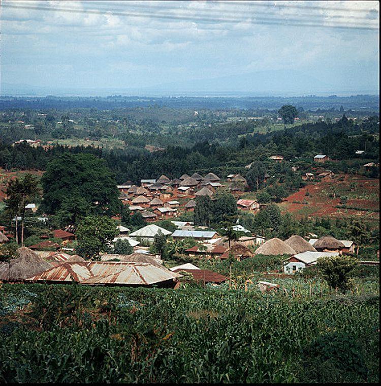 NICHT MEHR VERWENDEN! - Dorf in Kenia