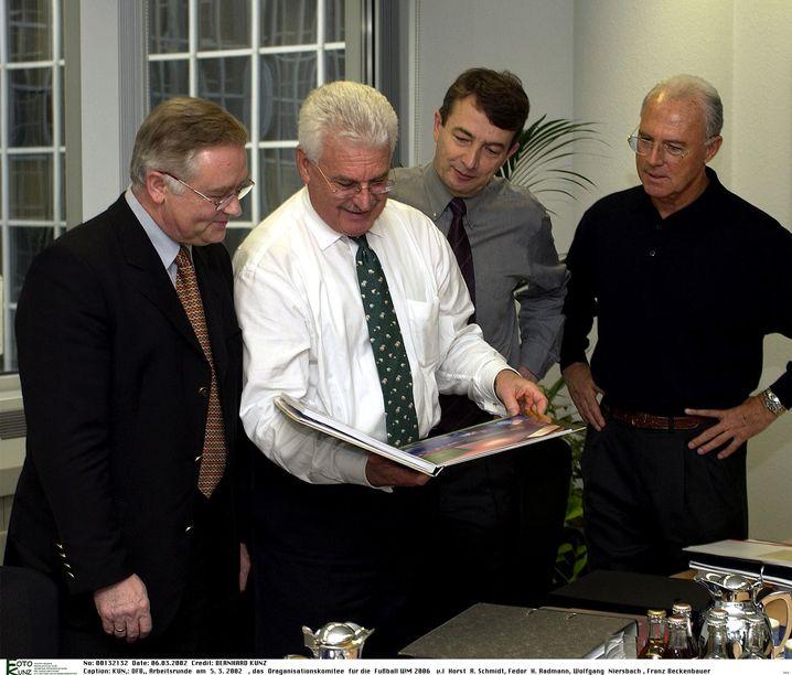 WM-Organisatoren Schmidt, Radmann, Niersbach, Beckenbauer 2002