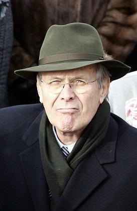 """Pentagonchef Rumsfeld: Hartnäckiger Befürworter """"einsetzbarer"""" Atomwaffen"""