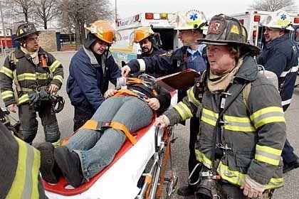 Antiterror-Übung in New York: Rettungskräfte proben die Bergung von Verletzten