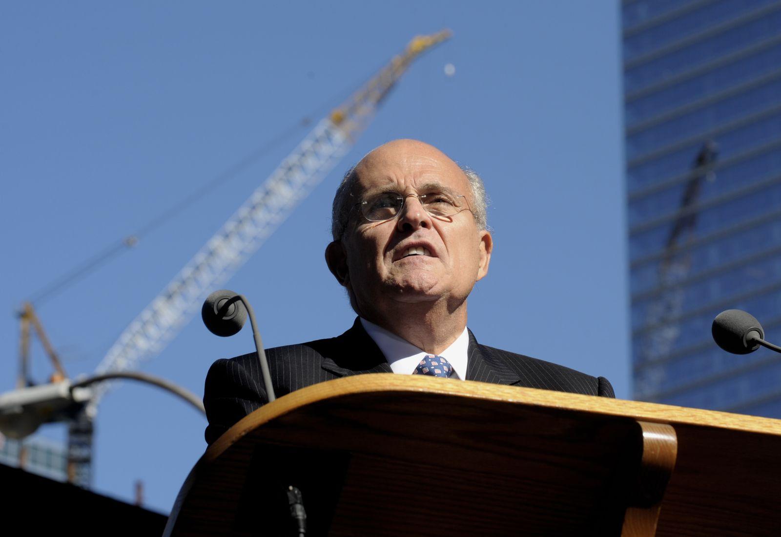 Ground Zero / Jahrestag / Giuliani
