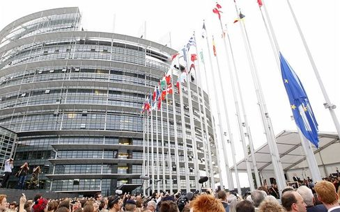 The European Parliament in Strasbourg: How can democracy function in the era of supranational institutions?