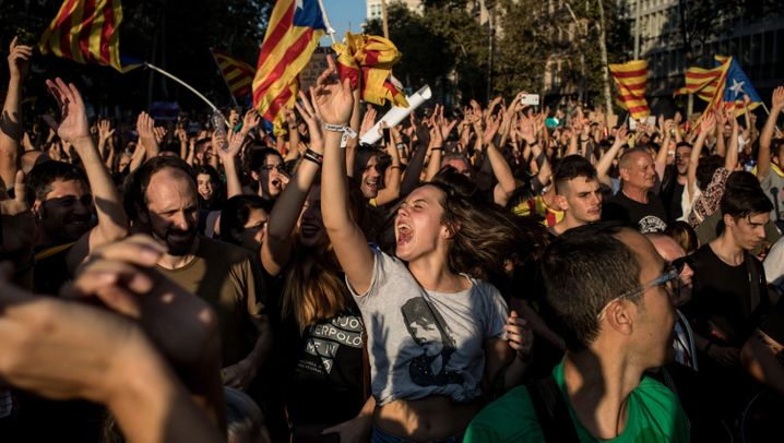 Nach dem Referendum: Machtkampf um Katalonien