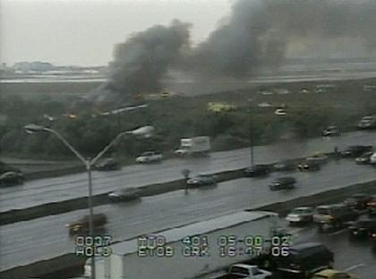 Die Air-France-Maschine geht in Flammen auf